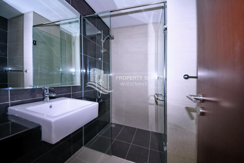 Bathroom - 2 Bedroom Apartment in Burooj View, Marina Square FOR RENT!