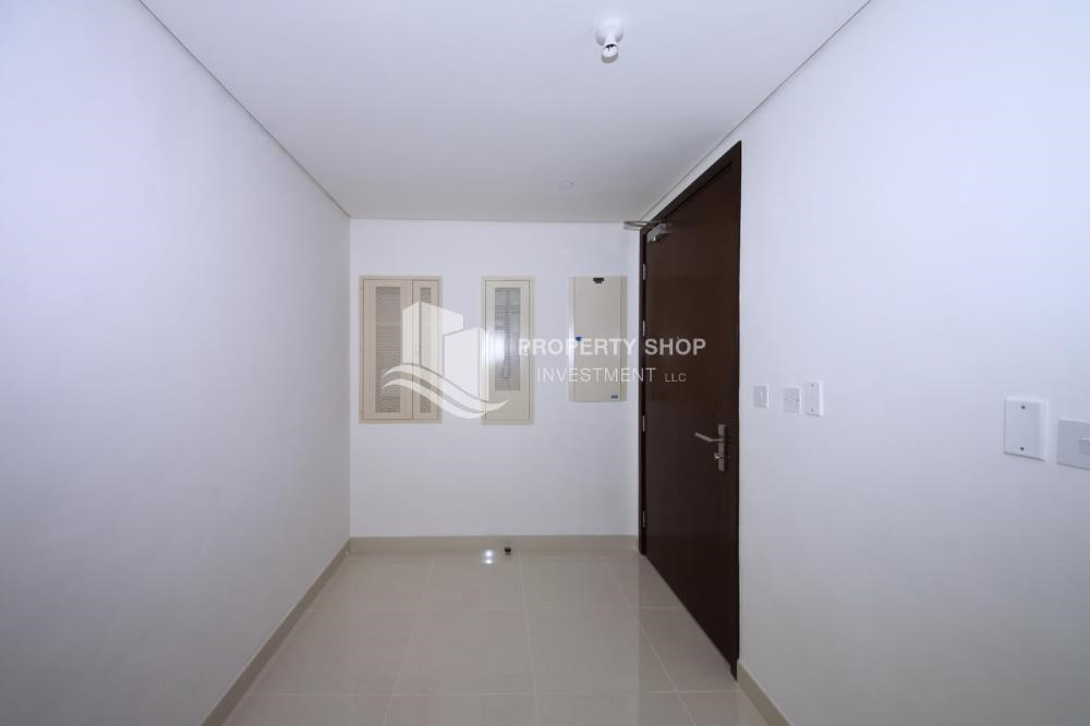 Foyer - 2 Bedroom Apartment in Burooj View, Marina Square FOR RENT!