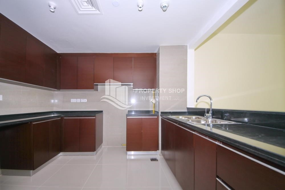 Kitchen - 2 Bedroom Apartment in Burooj View, Marina Square FOR RENT!