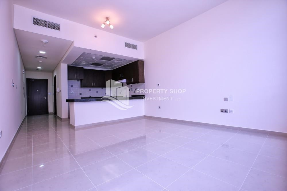 Dining Room - Studio apartment for rent with sea view.