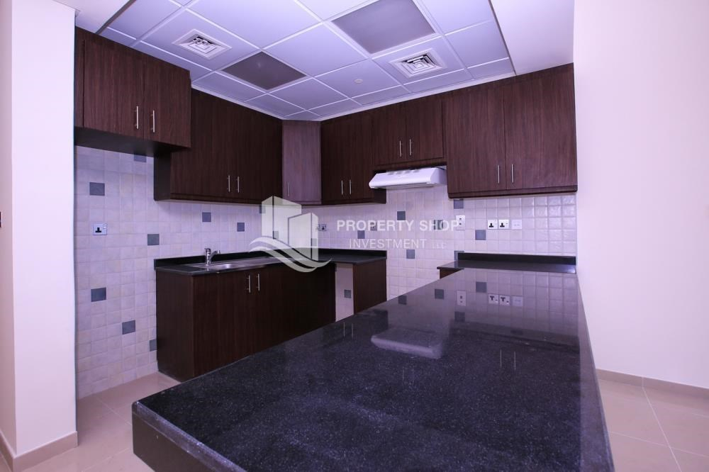 Kitchen - Studio apartment for rent with sea view.