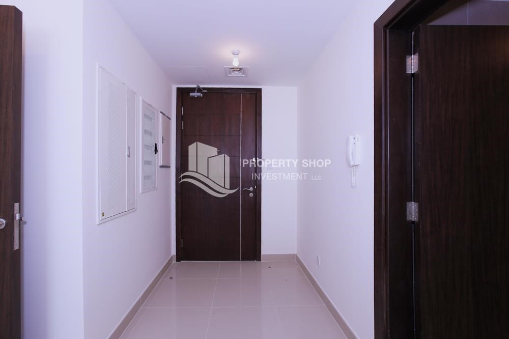 Foyer - Mid-floor 1BR unit in Marina Bay, City of Lights, for rent