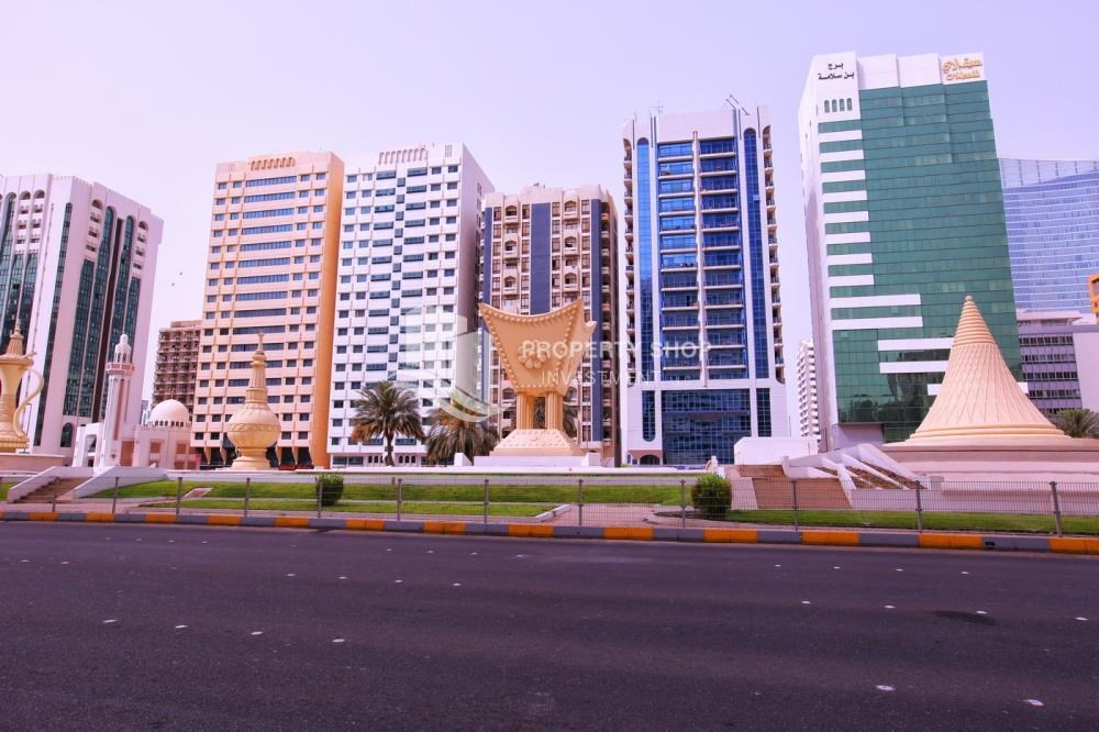 Community - 2BR apartment for rent in Al Rawdhat Building.