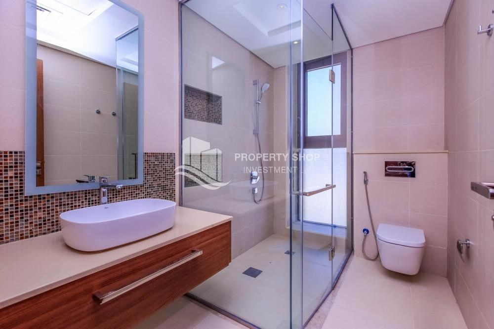 Bathroom - Live in your dream home! Own a luxurious villa in West Yas.