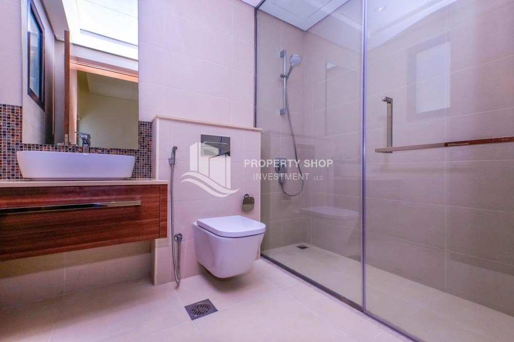 Guest Bathroom - Get a chance to own a property in an exquisite community in West Yas.