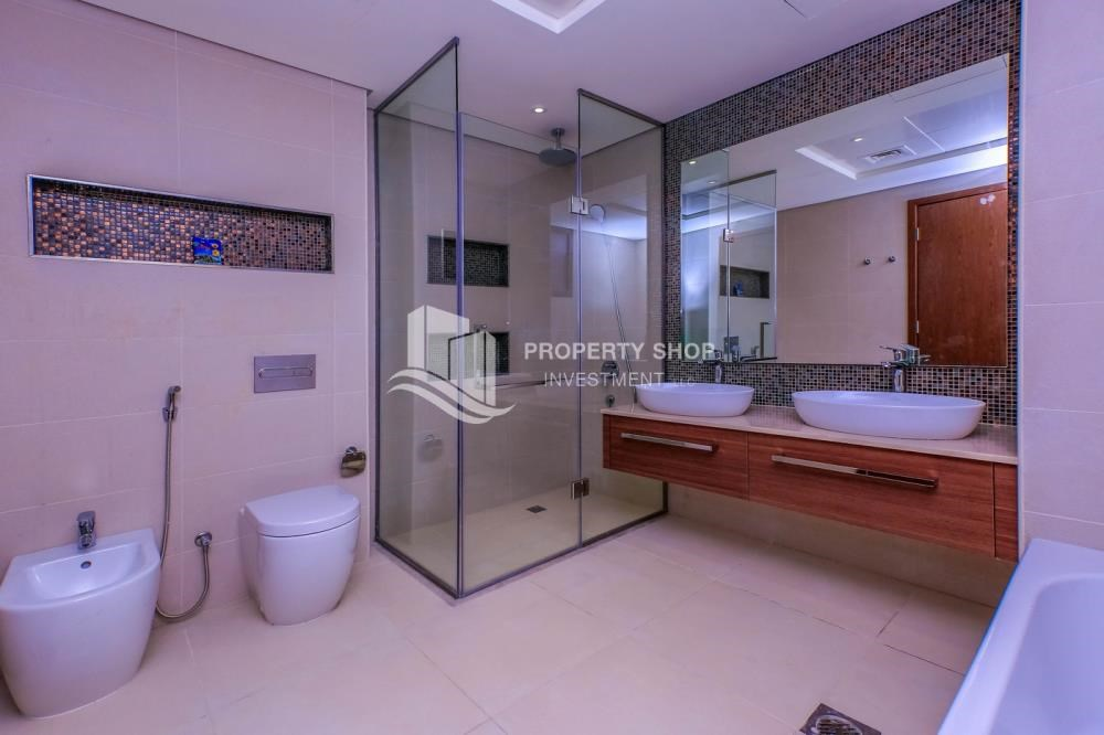 Master Bathroom - Get a chance to own a property in an exquisite community in West Yas.