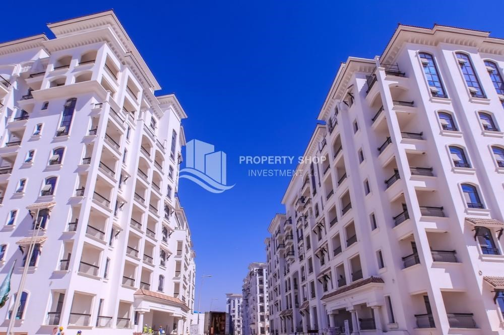 Property - Low Premium with Mosque and Ferrari World view.