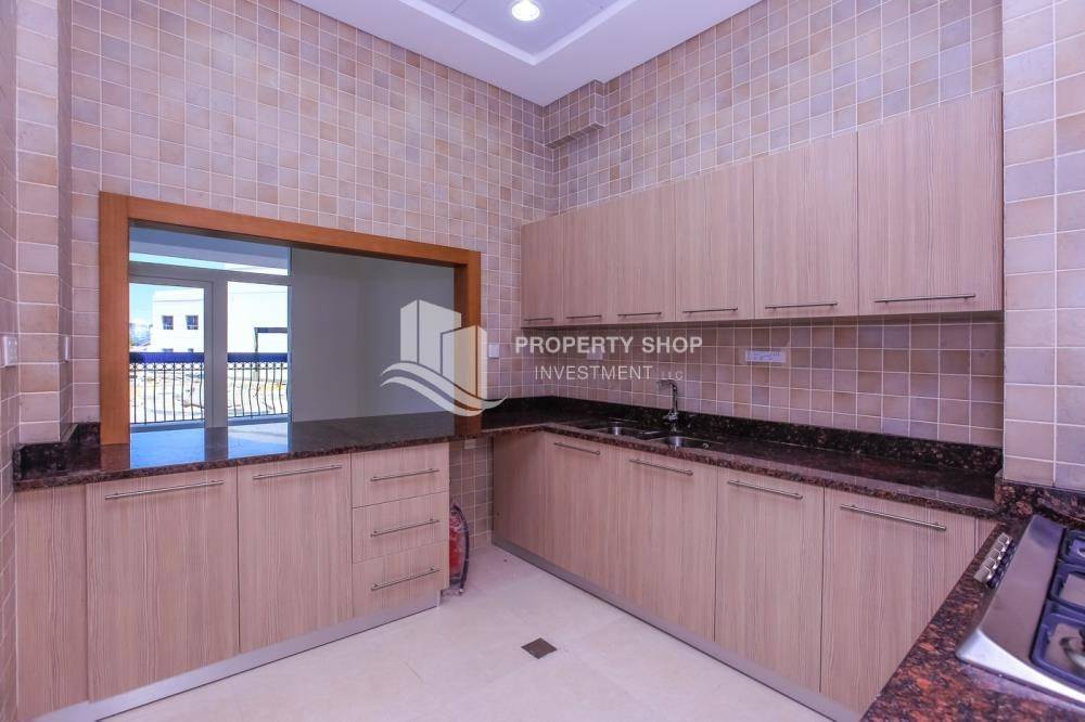 Kitchen - Low Premium with Mosque and Ferrari World view.