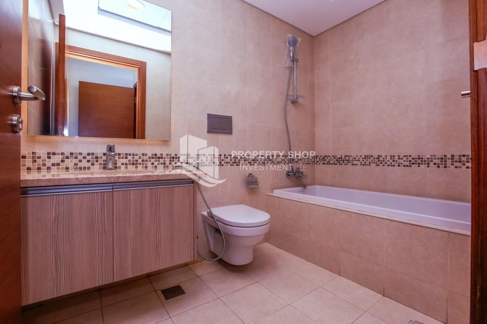 Bathroom - Low Premium with Mosque and Ferrari World view.