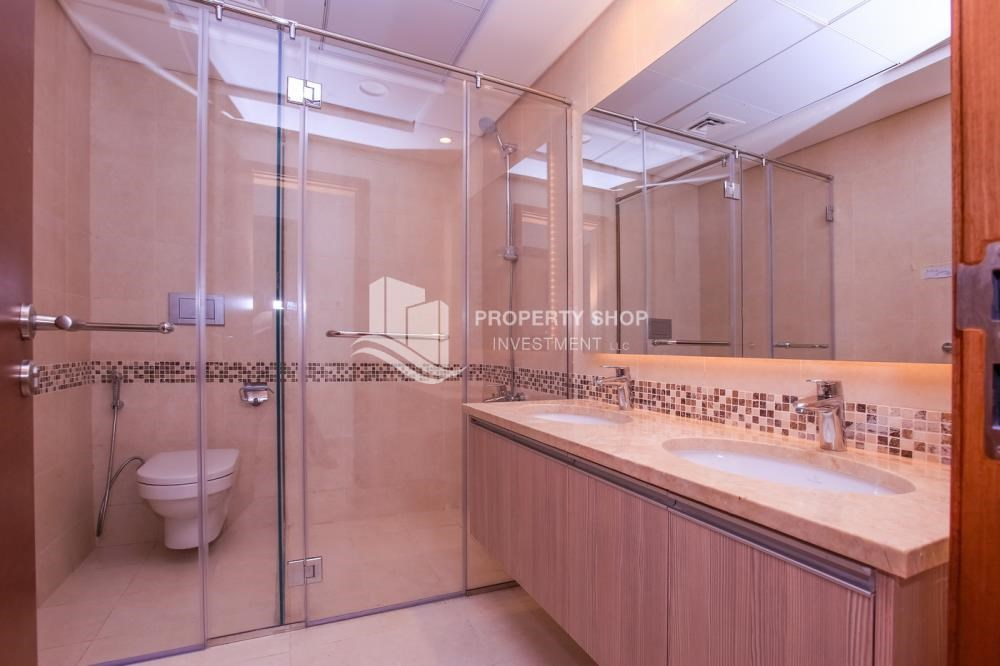 Master Bathroom - Low Premium with Mosque and Ferrari World view.