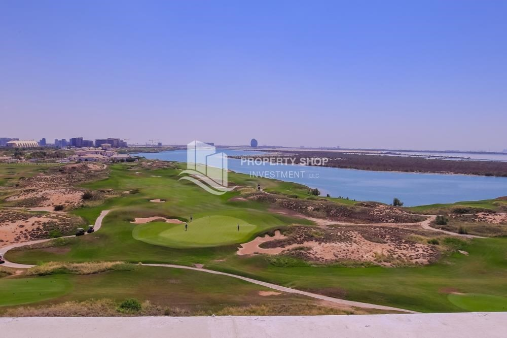 Community - Make You Move In☛  Brand New 3+Maid with Golf Course View!