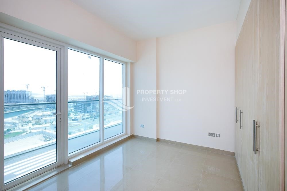 Bedroom - Spacious Apt with Walkin Closet and balcony for rent