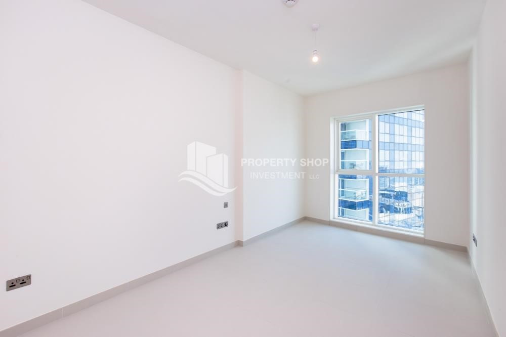 Bedroom - Spacious 4BR Apt with City and Partialy sea view