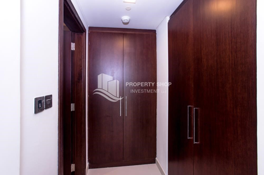Built in Wardrobe - Spacious 4BR Apt with City and Partialy sea view