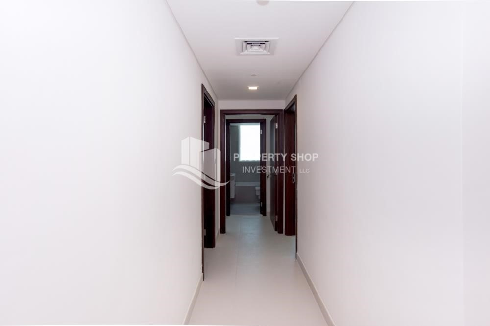 Corridor - Spacious 4BR Apt with City and Partialy sea view