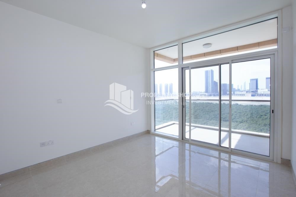 Bedroom - Brand New! 3BR For rent in Al Qurm View