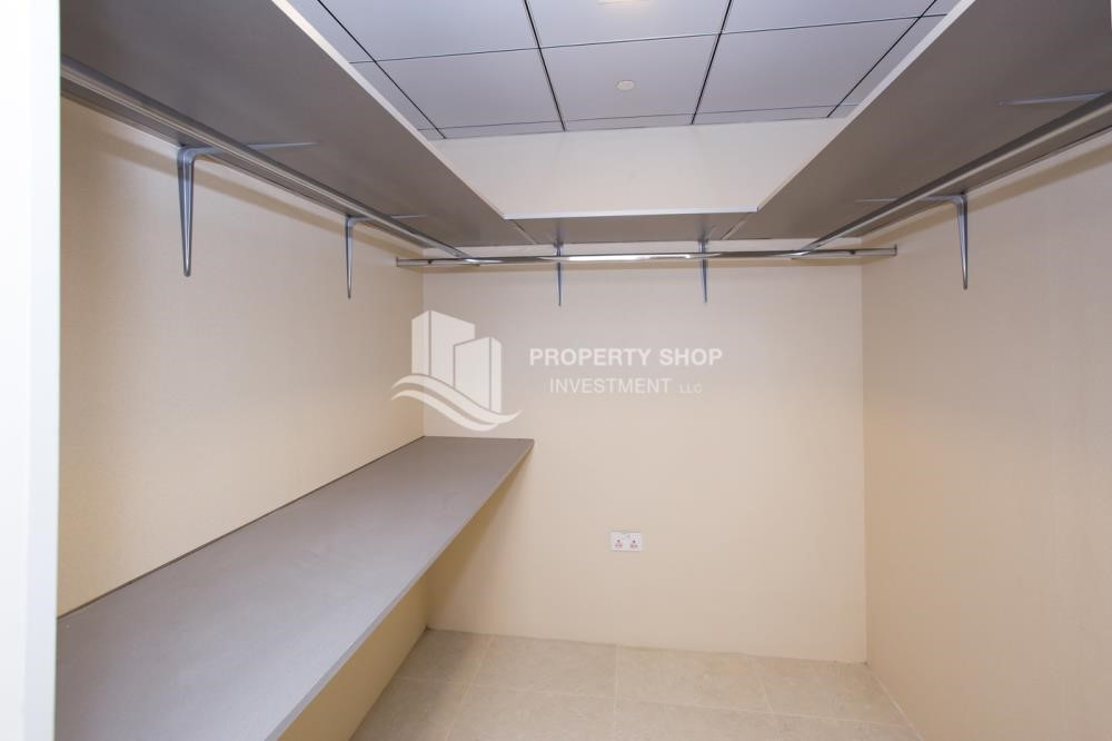 Store Room - Brand New! 3BR For rent in Al Qurm View