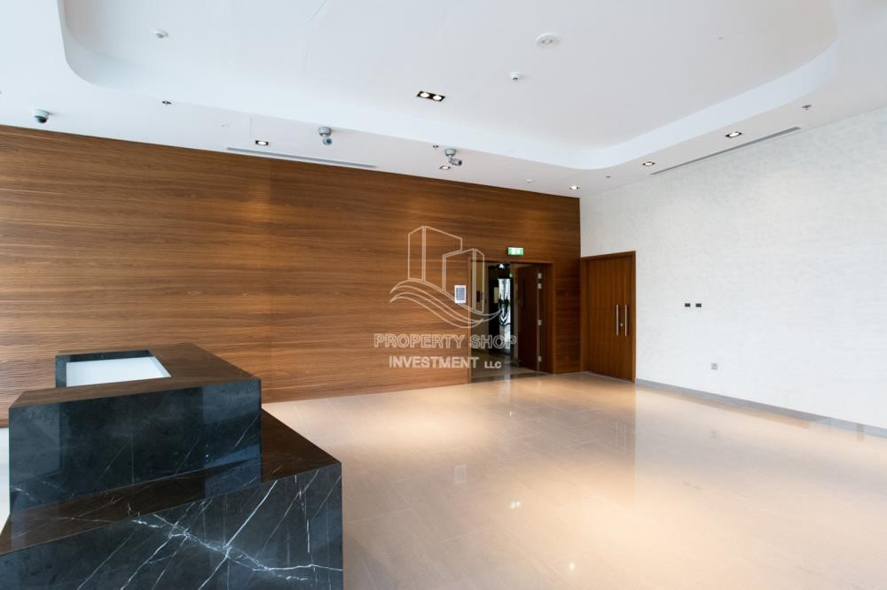 Lobby - New 3BR apartment in Shams Meera.