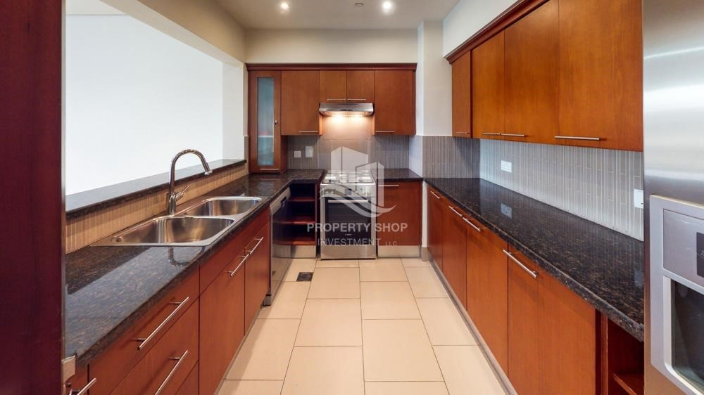 Kitchen - Modern & Bright 2Br With 4 Cheques For Rent