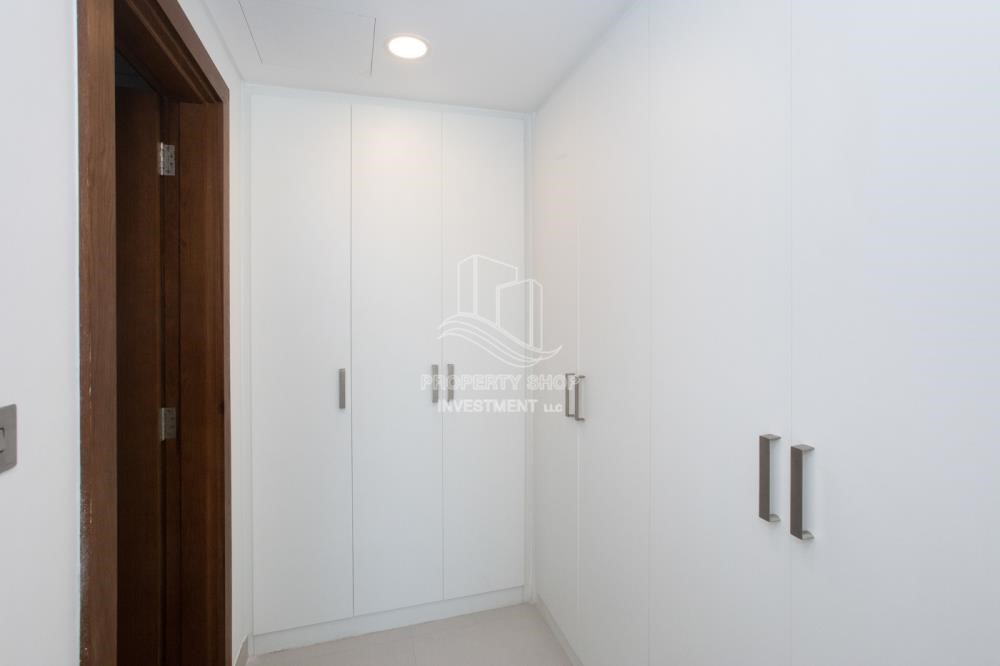 Built in Wardrobe - Spacious 2BR Apartment Available now in Parkside Residence!