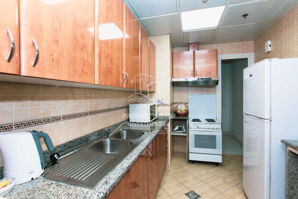 Kitchen - Stunning 2 BR  Hotel apartment for rent, 4 Cheques!