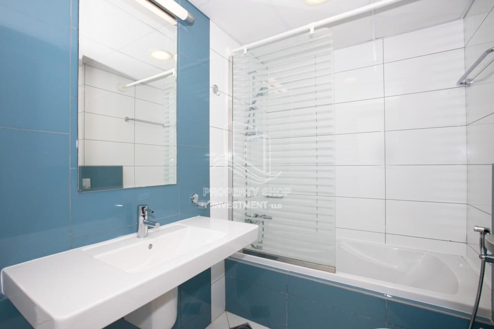 Bathroom - 0% No Commission fees! 3BR Apt with Stunning Sea View!