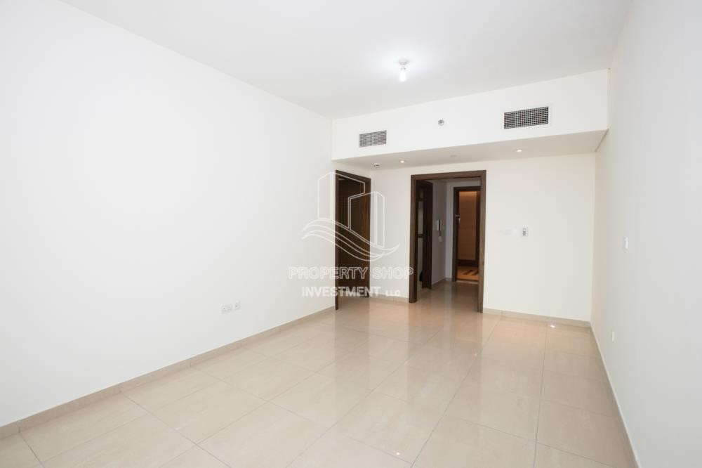 Living Room - Spacious 2BR Apartment with Partial Sea View.