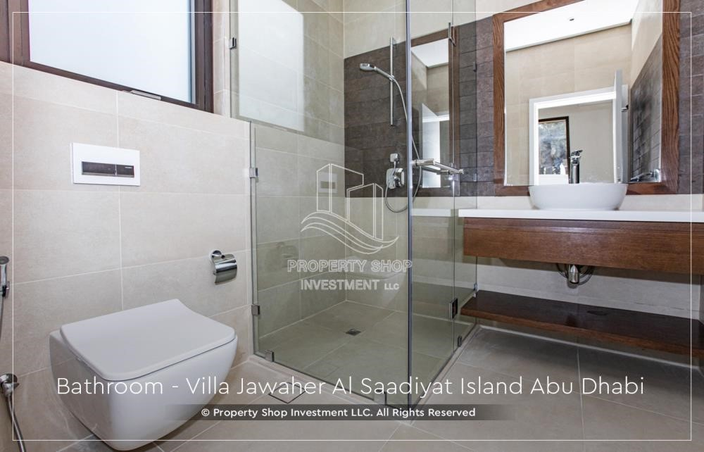 Bathroom - 5BR+M villa overlooking golf course.