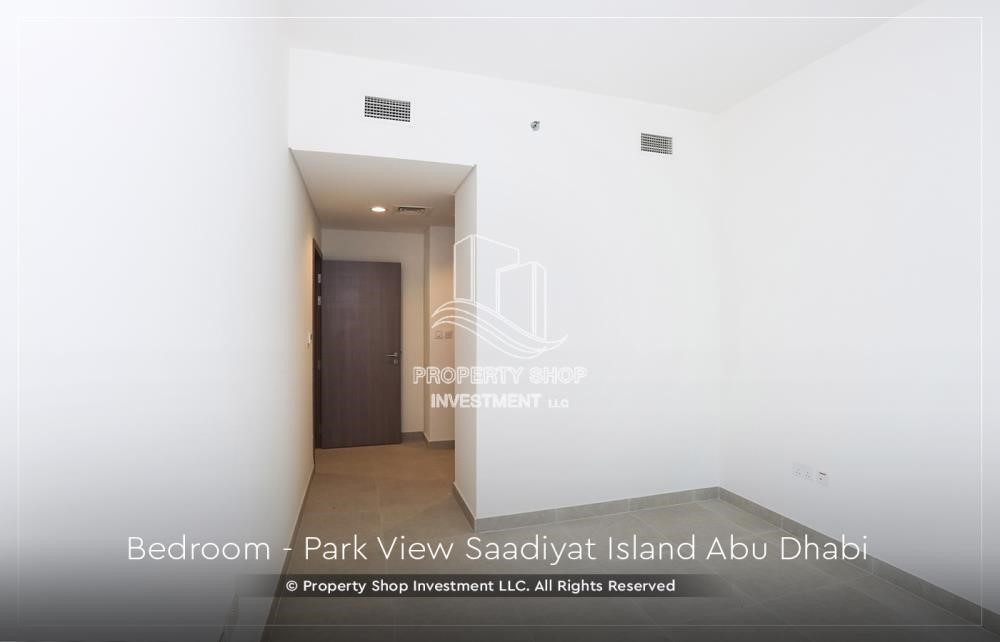 Bedroom - 2BR+M Apt with huge balcony. Selling below original price.