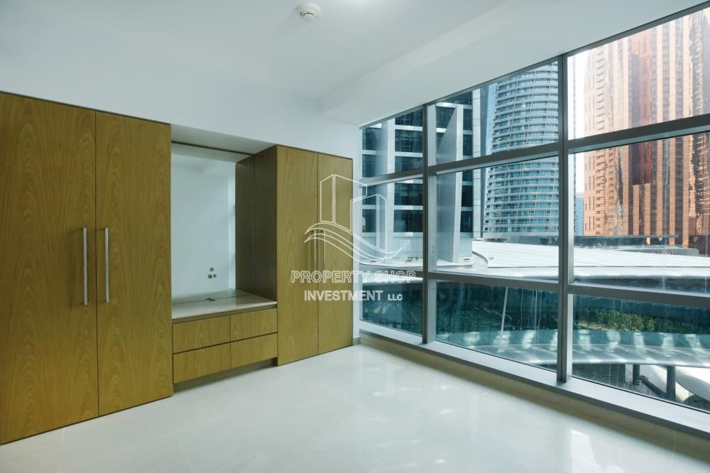 Built in Wardrobe - Well Maintained 1BR Apt for rent in Etihad Towers 4.
