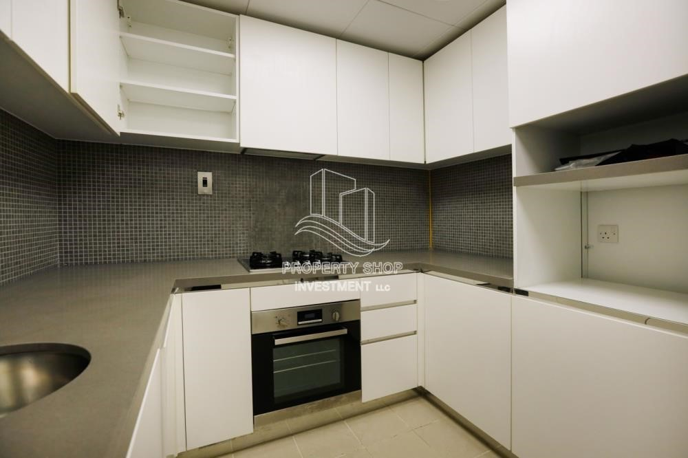 Kitchen - Well Maintained 1BR Apt for rent in Etihad Towers 4.