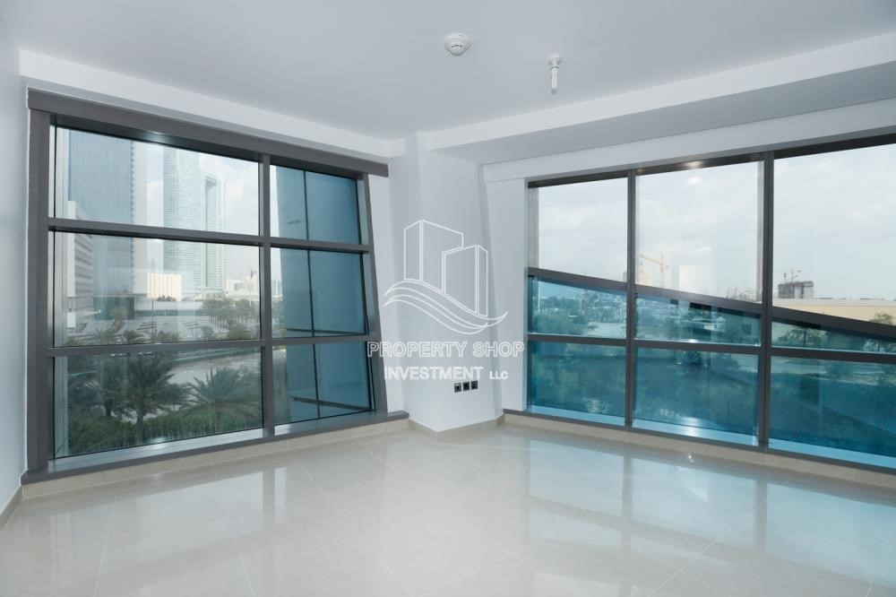 Bedroom - Well Maintained 1BR Apt for rent in Etihad Towers 4.
