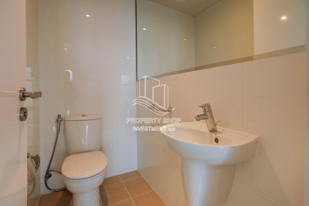Powder - Well Maintained 1BR Apt for rent in Etihad Towers 4.