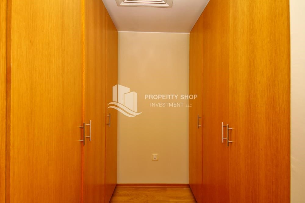 WalkIn Closet - Vacant Type S Villa with High ROI + Pvt Pool.