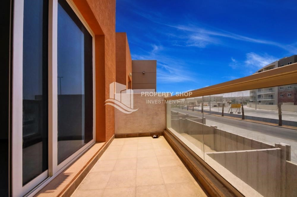 Balcony - Big plot - corner size + Single row 4 BR Villa with wide terrace