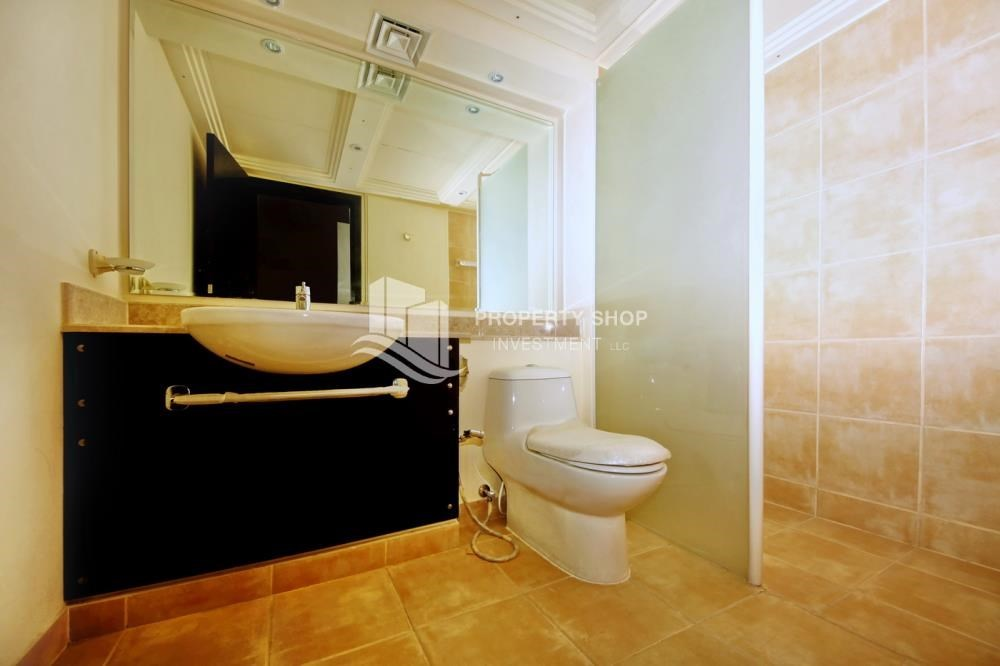 Bathroom - Big plot - corner size + Single row 4 BR Villa with wide terrace