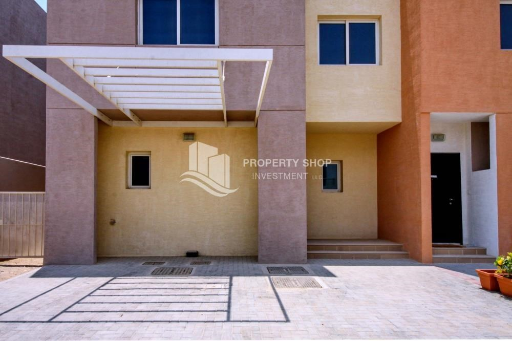 Parking - Big plot - corner size + Single row 4 BR Villa with wide terrace