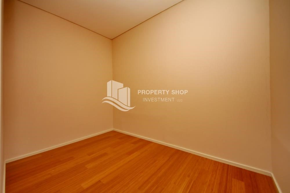 Maid Room - Invest Now, Canal View Apt with spacious living