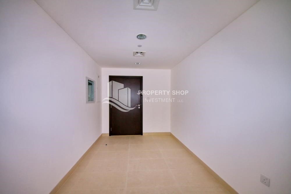 Corridor - 2BR apartment on high floor with street view.