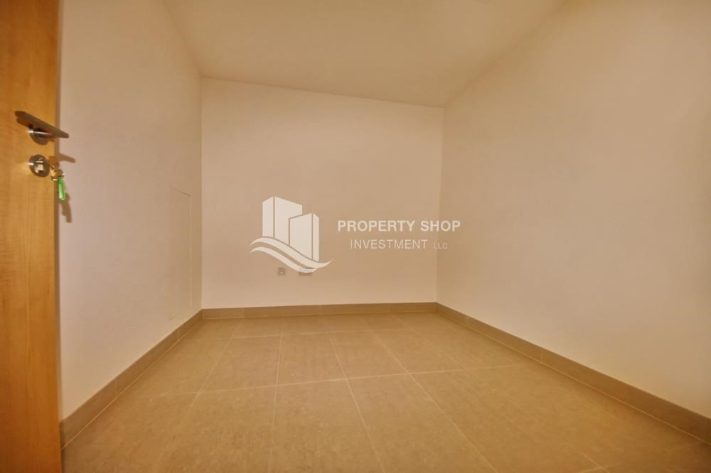 Study - 2BR apartment on high floor with street view.