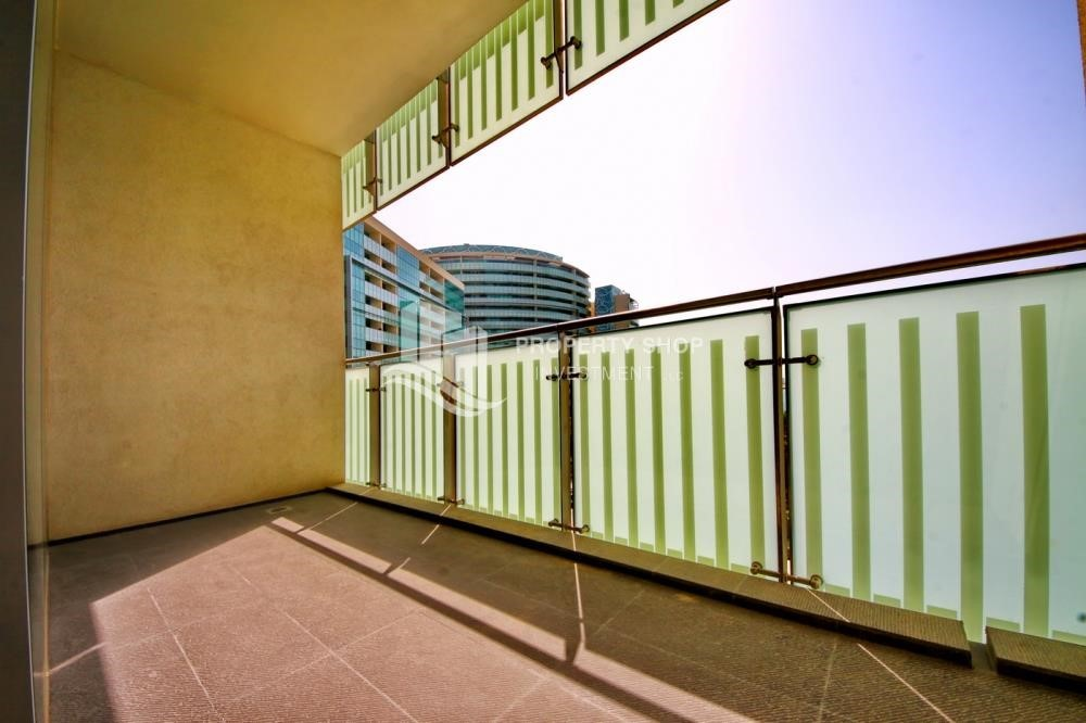 Balcony - Spacious 3 + M with walk in closet and full sea view!