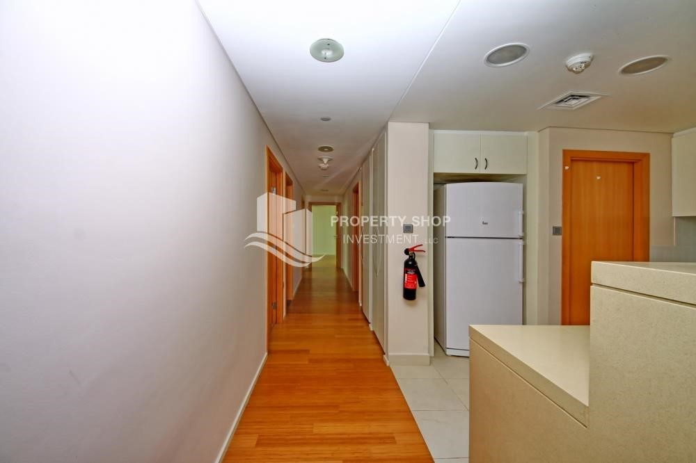 Corridor - Spacious 3 + M with walk in closet and full sea view!