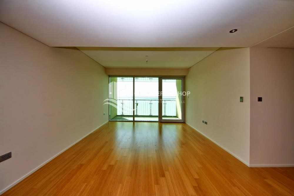 Living Room - Spacious 3 + M with walk in closet and full sea view!