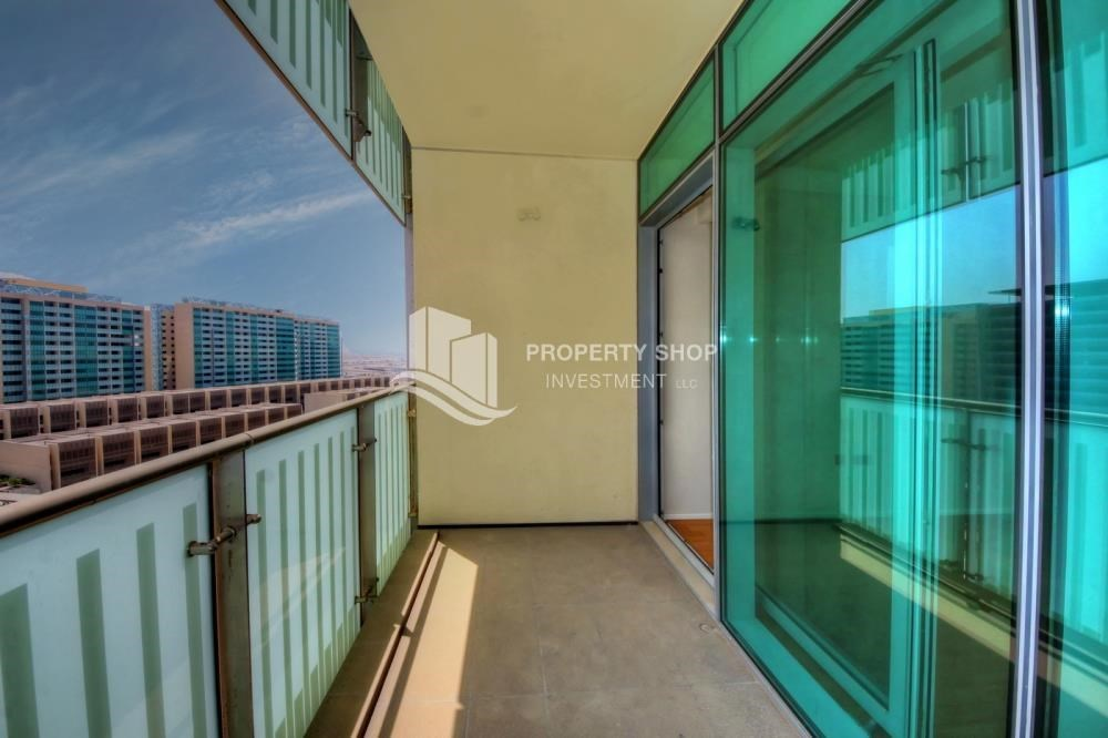 Balcony - 2 bedrooms with partial sea and canal view