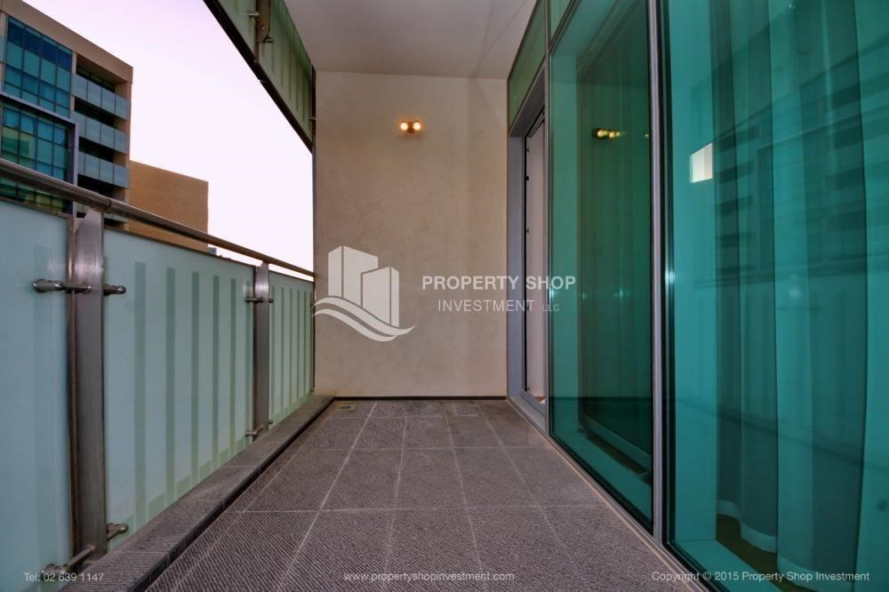 Balcony - Spacious Apt overlooking Sea + Canal view