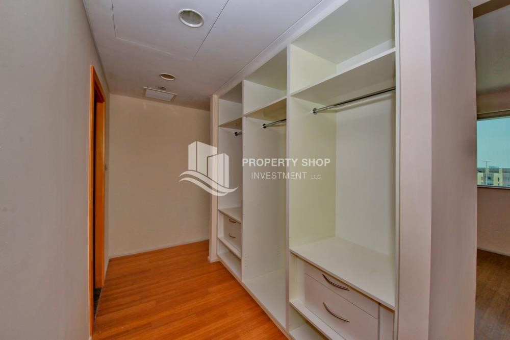 WalkIn Closet - 4BR+M apartment. Ready to move in now