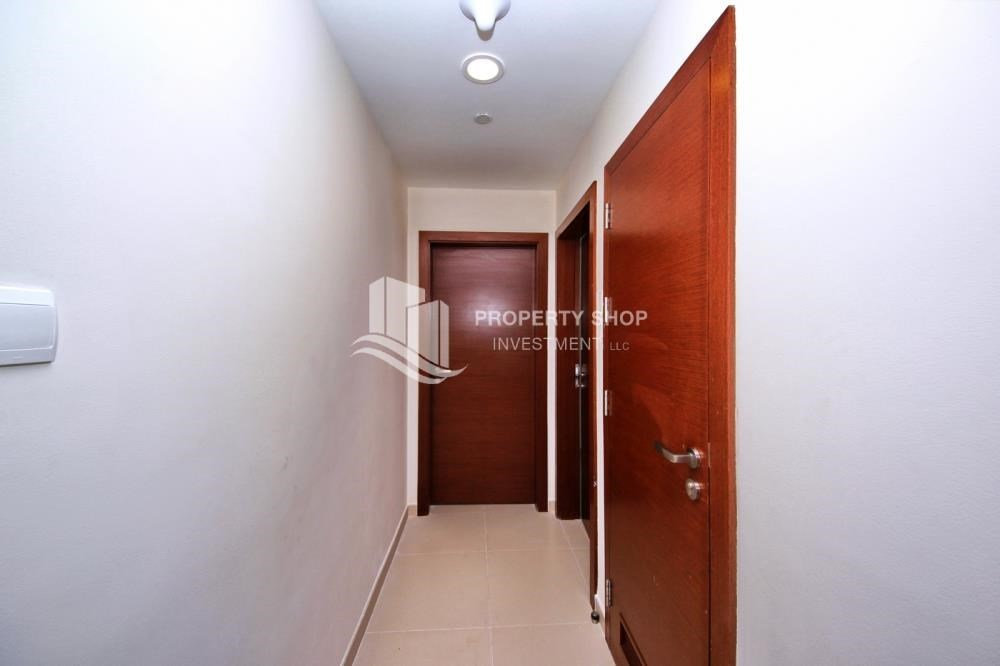 Foyer - Amazing 2 BR apt in gate tower