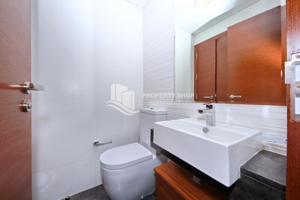 Powder - 1BR sea view Apt with full facilities.