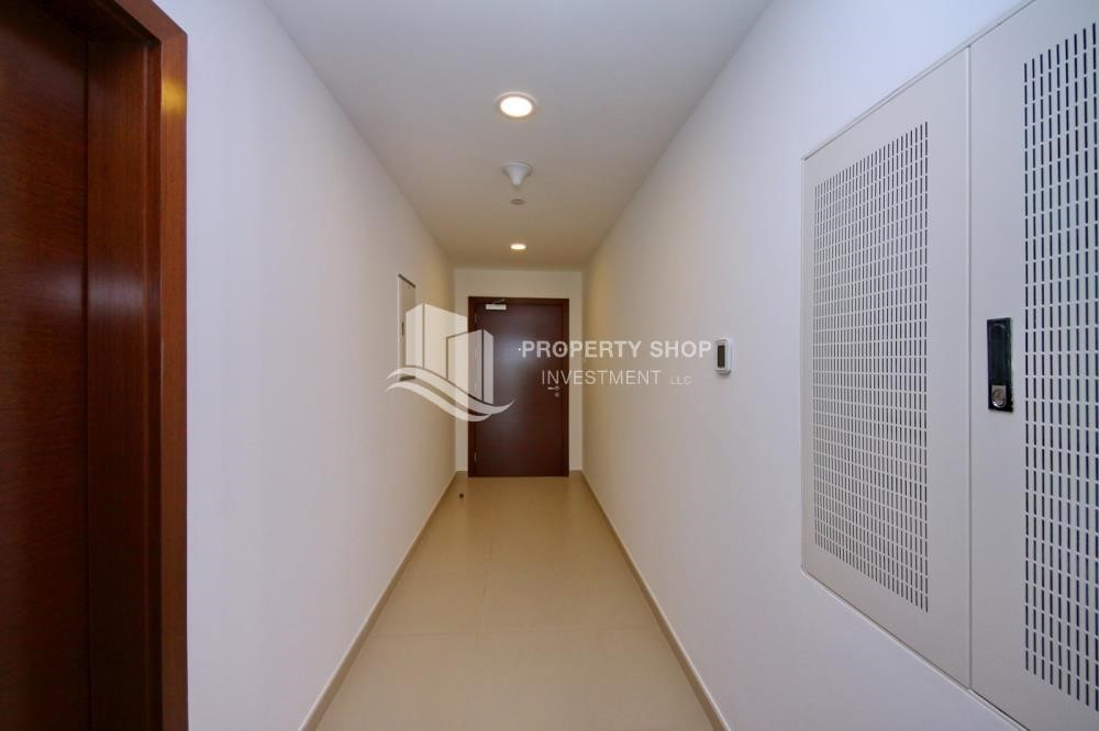 Foyer - Live with a wonderful 1BR Apartment with 6 Payments!