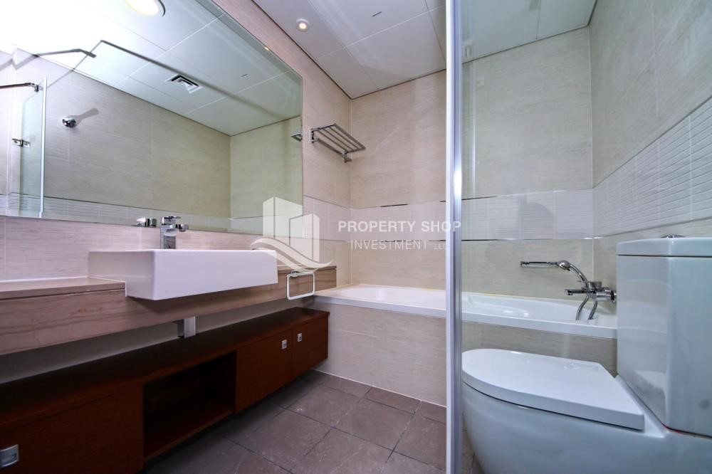 Bathroom - Call the agent and Book for 1BR Apartment with Great Facilities!